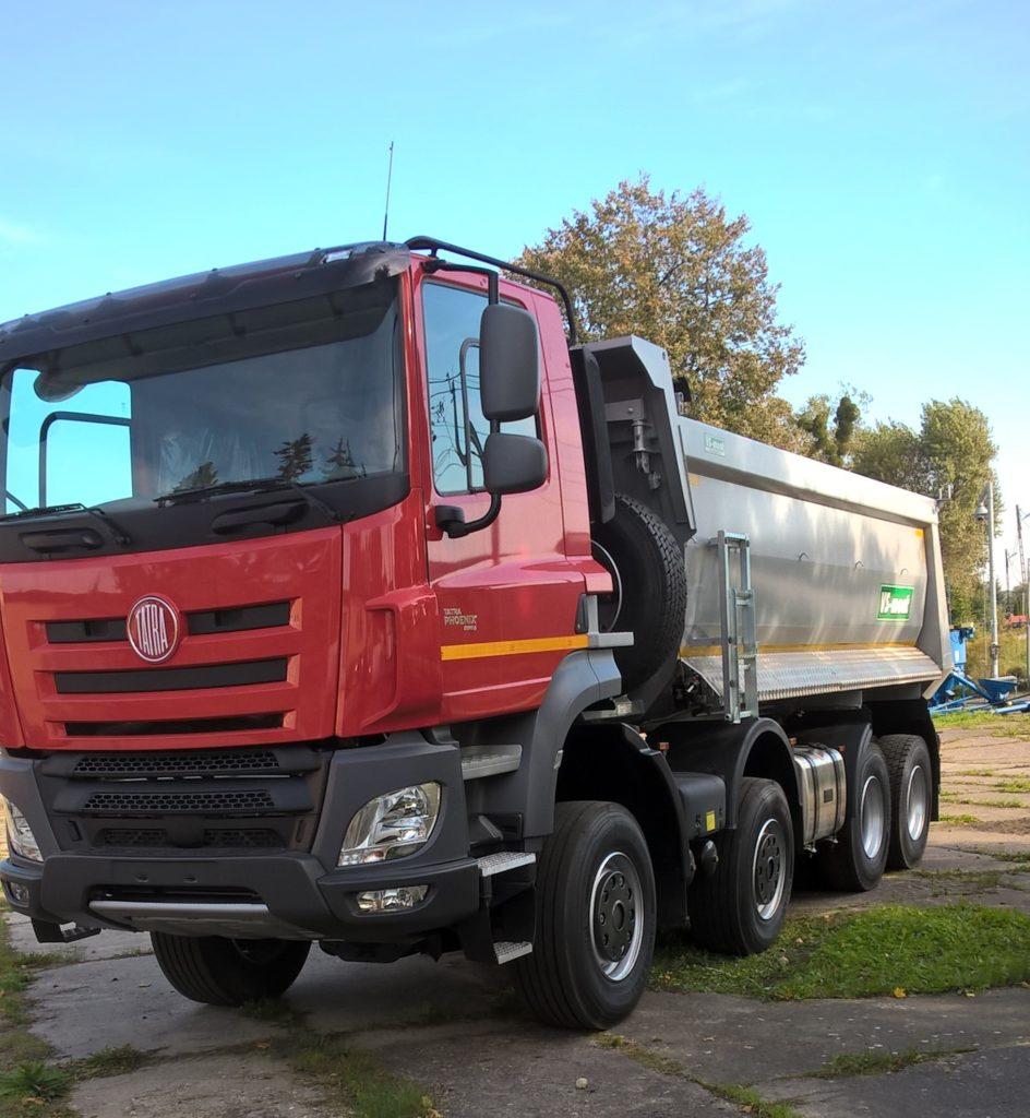 Sprzedaż ciągników, maszyn rolniczych i samochodów ciężarowych